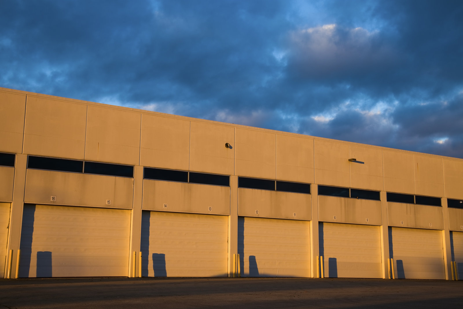 Selecting The Best Gate For Your Warehouse