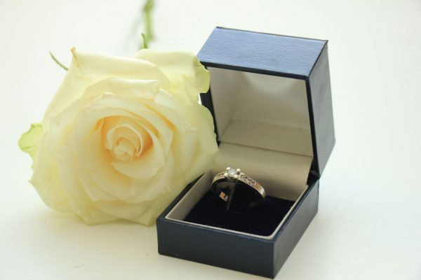 Tips To Help You Save For Your Dream Diamond Engagement Ring
